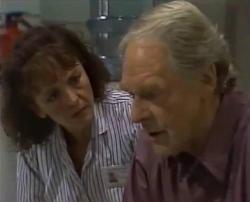 Pam Willis, Tom Weaver in Neighbours Episode 2110