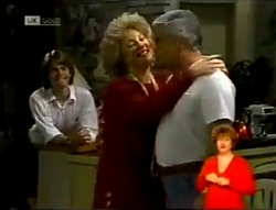 Brett Stark, Cheryl Stark, Lou Carpenter in Neighbours Episode 2146