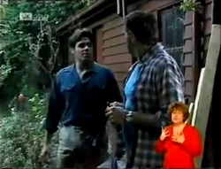 Andrew MacKenzie, Doug Willis in Neighbours Episode 2146