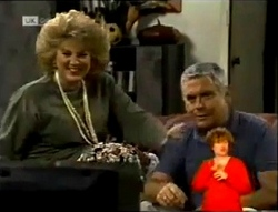 Cheryl Stark, Lou Carpenter in Neighbours Episode 2147