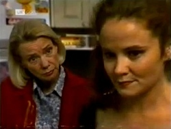 Helen Daniels, Julie Robinson in Neighbours Episode 2150