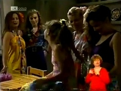 Cody Willis, Debbie Martin, Hannah Martin, Helen Daniels, Julie Robinson in Neighbours Episode 2150