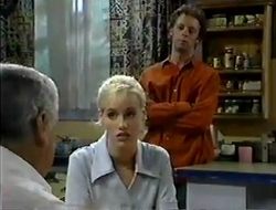 Lou Carpenter, Lisa Elliot, Ben Atkins in Neighbours Episode 2854