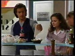 Drew Kirk, Caitlin Atkins in Neighbours Episode 3046