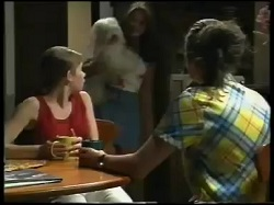 Anne Wilkinson, Bob, Sarah Beaumont, Caitlin Atkins in Neighbours Episode 3051