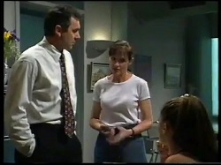 Karl Kennedy, Susan Kennedy, Sarah Beaumont in Neighbours Episode 3052