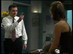 Karl Kennedy, Sarah Beaumont in Neighbours Episode 3052