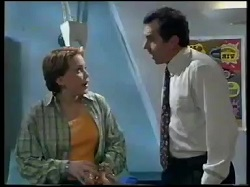 Libby Kennedy, Karl Kennedy in Neighbours Episode 3052
