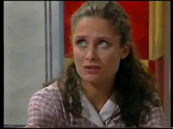 Caitlin Atkins in Neighbours Episode 3052