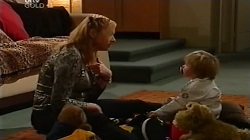 Janelle Timmins, Oscar Scully in Neighbours Episode 4682