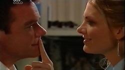 Paul Robinson, Izzy Hoyland in Neighbours Episode 4683