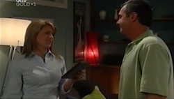 Izzy Hoyland, Karl Kennedy in Neighbours Episode 4687