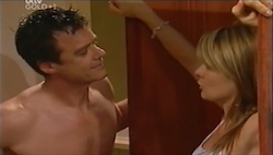 Paul Robinson, Izzy Hoyland in Neighbours Episode 4687