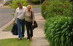 Bobby Hoyland, Janelle Timmins in Neighbours Episode 4714