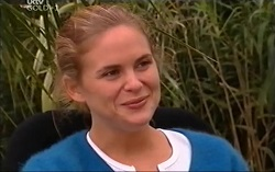 Kelly Weaver in Neighbours Episode 4715