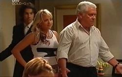 Dylan Timmins, Sky Mangel, Lou Carpenter in Neighbours Episode 4715