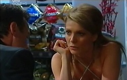 Paul Robinson, Izzy Hoyland in Neighbours Episode 4716
