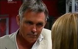 Bobby Hoyland, Izzy Hoyland in Neighbours Episode 4724