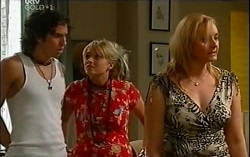 Dylan Timmins, Sky Mangel, Janelle Timmins in Neighbours Episode 4724