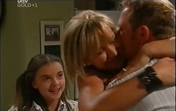 Summer Hoyland, Steph Scully, Max Hoyland in Neighbours Episode 4724