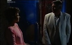 Lyn Scully, Bobby Hoyland in Neighbours Episode 4724