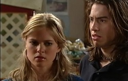 Elle Robinson, Dylan Timmins in Neighbours Episode 4938