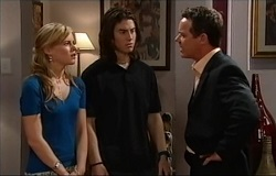 Elle Robinson, Dylan Timmins, Paul Robinson in Neighbours Episode 4938