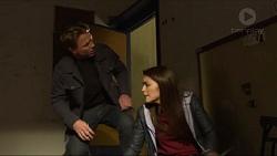 Warren Stacks, Paige Novak in Neighbours Episode 7272