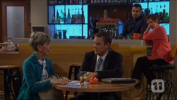 Hilary Robinson, Paul Robinson, Nate Kinski, Susan Kennedy in Neighbours Episode 7273
