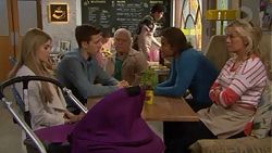 Amber Turner, Josh Willis, Lou Carpenter, Brad Willis, Lauren Turner in Neighbours Episode 7275