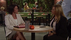 Julie Quill, Terese Willis in Neighbours Episode 7277