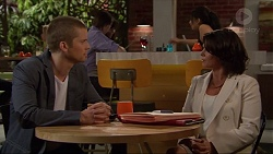 Daniel Robinson, Julie Quill in Neighbours Episode 7277