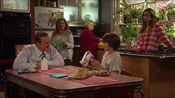 Paul Robinson, Terese Willis, Sheila Canning, Jimmy Williams, Amy Williams in Neighbours Episode 7279