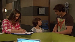 Amy Williams, Jimmy Williams, Kyle Canning in Neighbours Episode 7280