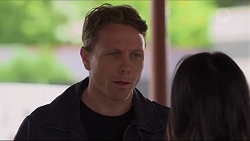 Warren Stacks, Michelle Kim in Neighbours Episode 7280