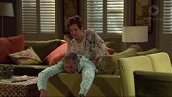 Susan Kennedy, Karl Kennedy in Neighbours Episode 7281