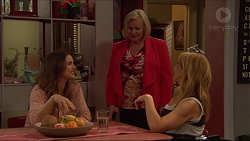 Amy Williams, Sheila Canning, Steph Scully in Neighbours Episode 7283