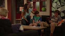Sheila Canning, Amy Williams, Jimmy Williams, Bossy, Kyle Canning in Neighbours Episode 7284
