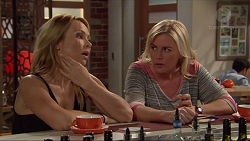 Steph Scully, Lauren Turner in Neighbours Episode 7288