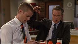 Daniel Robinson, Paul Robinson in Neighbours Episode 7288