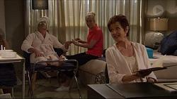 Karl Kennedy, Amanda Tucker, Susan Kennedy in Neighbours Episode 7288
