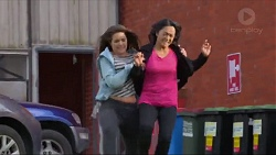 Paige Smith, Michelle Kim in Neighbours Episode 7288
