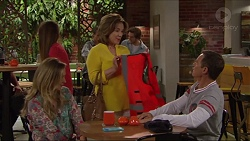 Sonya Rebecchi, Lyn Scully, Paul Robinson in Neighbours Episode 7291