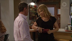 Paul Robinson, Steph Scully in Neighbours Episode 7292