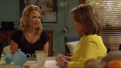 Steph Scully, Lyn Scully in Neighbours Episode 7292