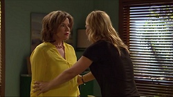 Lyn Scully, Steph Scully in Neighbours Episode 7292