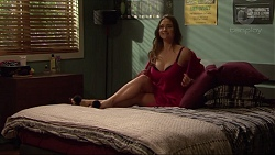 Amy Williams in Neighbours Episode 7295