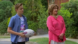 Charlie Hoyland, Lyn Scully in Neighbours Episode 7296