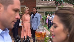 Mark Brennan, Lauren Turner, Brad Willis, Paige Novak in Neighbours Episode 7298