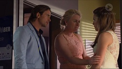 Brad Willis, Lauren Turner, Paige Novak in Neighbours Episode 7298